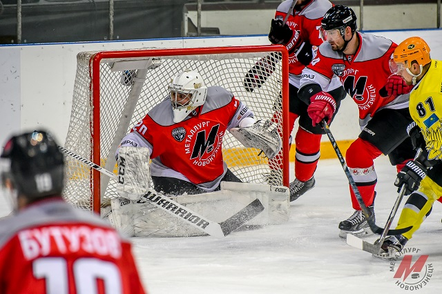 VHL: Eight Teams Standing
